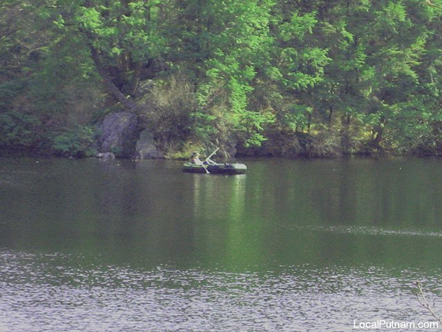 fahnestock_pond2.jpg